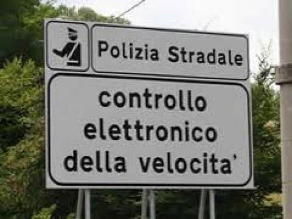 limiti_di_velocita_cartello